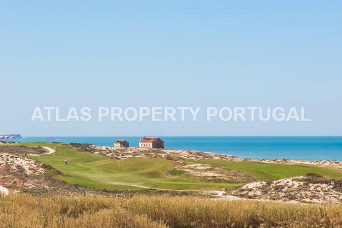 Luxury Front Line Beach 3 Bedroom Apartment on Portugal's Silver Coast
